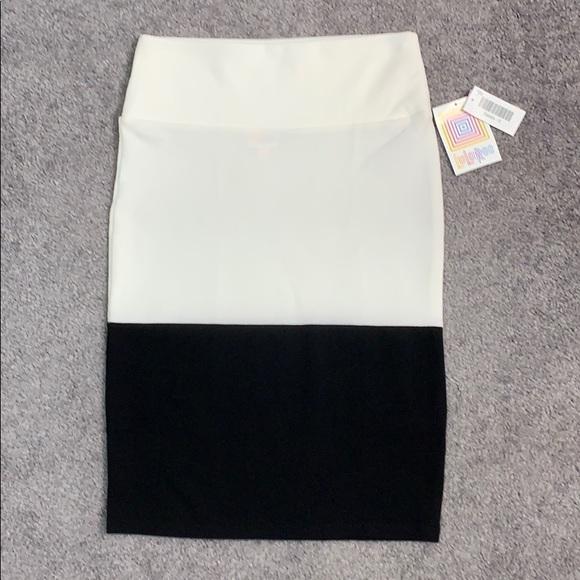 LuLaRoe Dresses & Skirts - LuLaRoe black and white Cassie skirt size S NWT